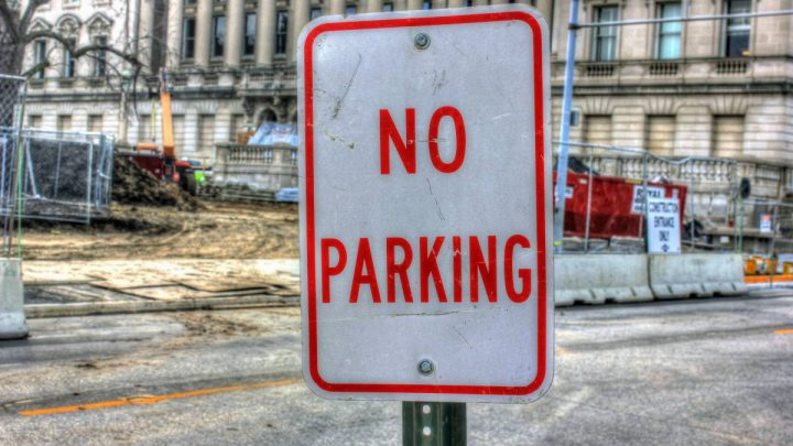 """All You Need To Know About 'No Parking Sign"""" In The Philippines"""